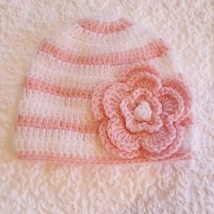 NWOT 0-6m knitted pink and white baby hat